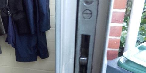 Manhattan Locksmith Help! Key Stuck in Deadbolt!